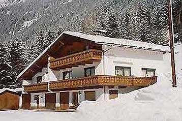 Austria Privt Sankt Leonhard, Exterior